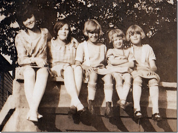 A friend Anabelle McKendrick, Ingrid, Ida, Ruby, and Edith Gillberg about 1926