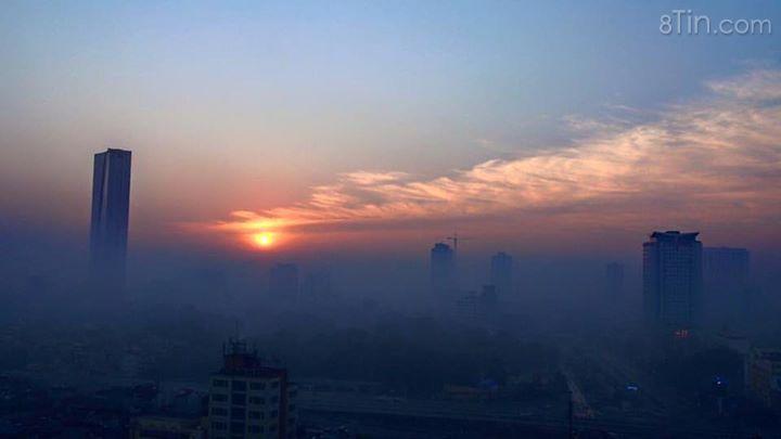 Hà Nội siêu nhiều sương mù sáng nay (Ảnh: Phạm Quang).