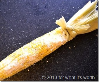 How to tie corn husk handle on roasted corn on the cob