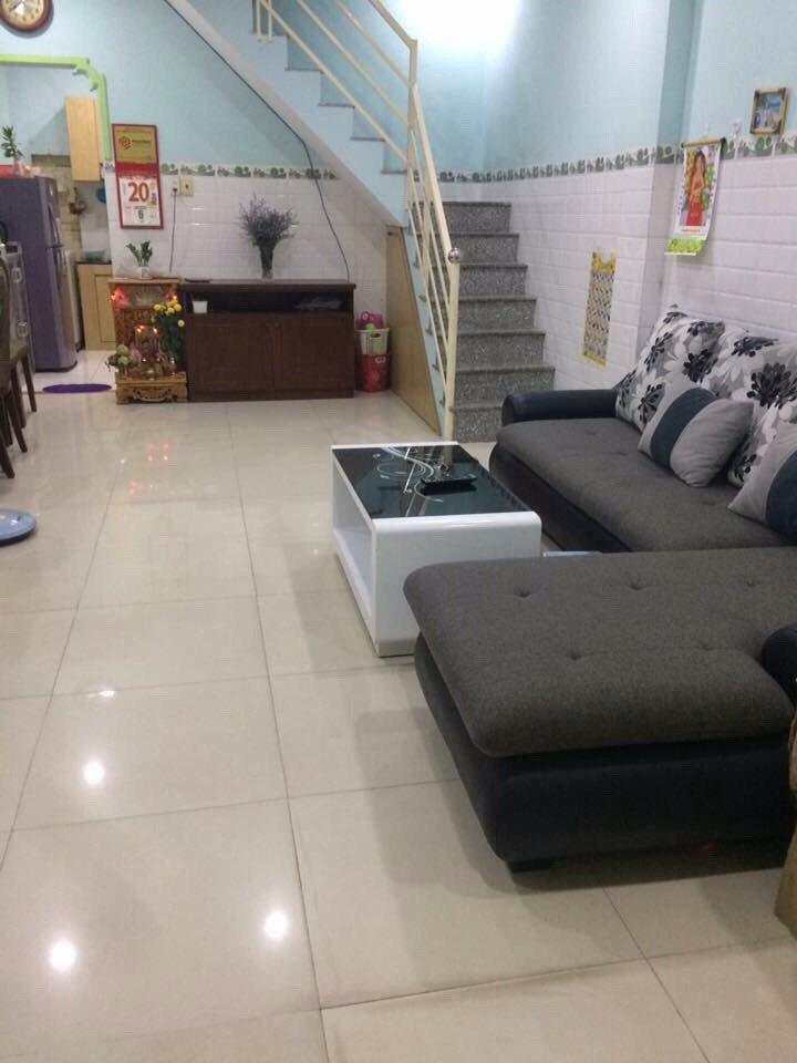Cho thuê nhà hẻm ô tô Lê Đình Cẩn Quận Bình Tân, diện tích 4m x 12m, 1 trệt 1 lầu, giá cho thuê 7triệu/tháng - cọc trước 3 tháng.2