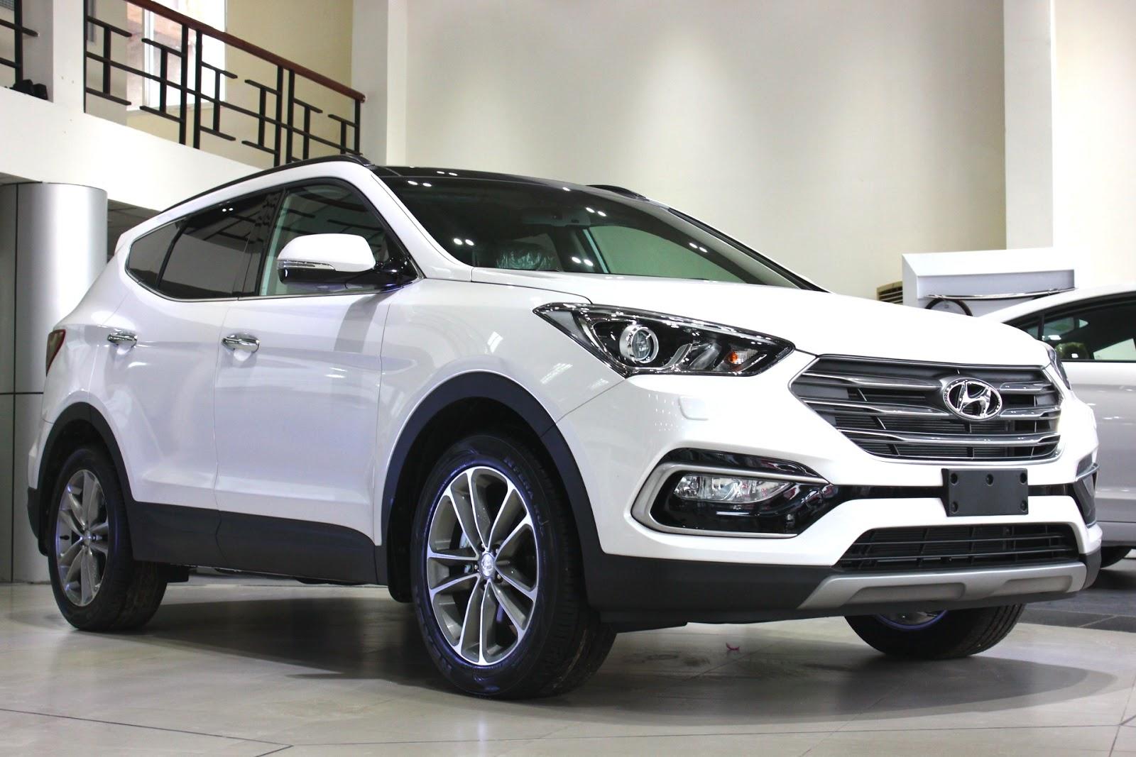 Xe Hyundai Santafe 7 Chỗ máy xăng màu trắng 06