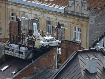 Restaurant Lviv: Trabant pe acoperis