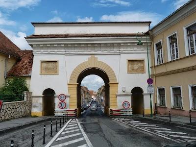 Obiective turistice Brasov: Poarta Scheilor