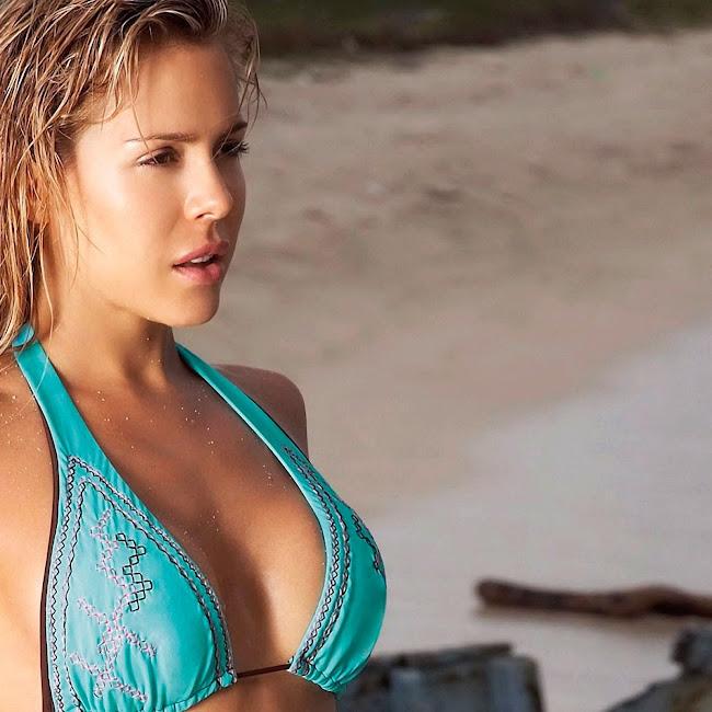 Natalia Paris Swimsuit Foto 35