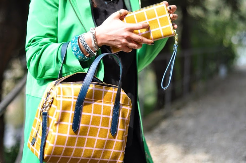 a-green-coat-outfit-fashion-blogger-fossil-bag