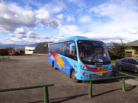 03. Autobuz tur Torres del Paine.JPG
