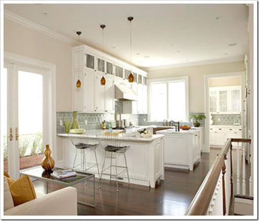 Superbe Coastal Kitchen