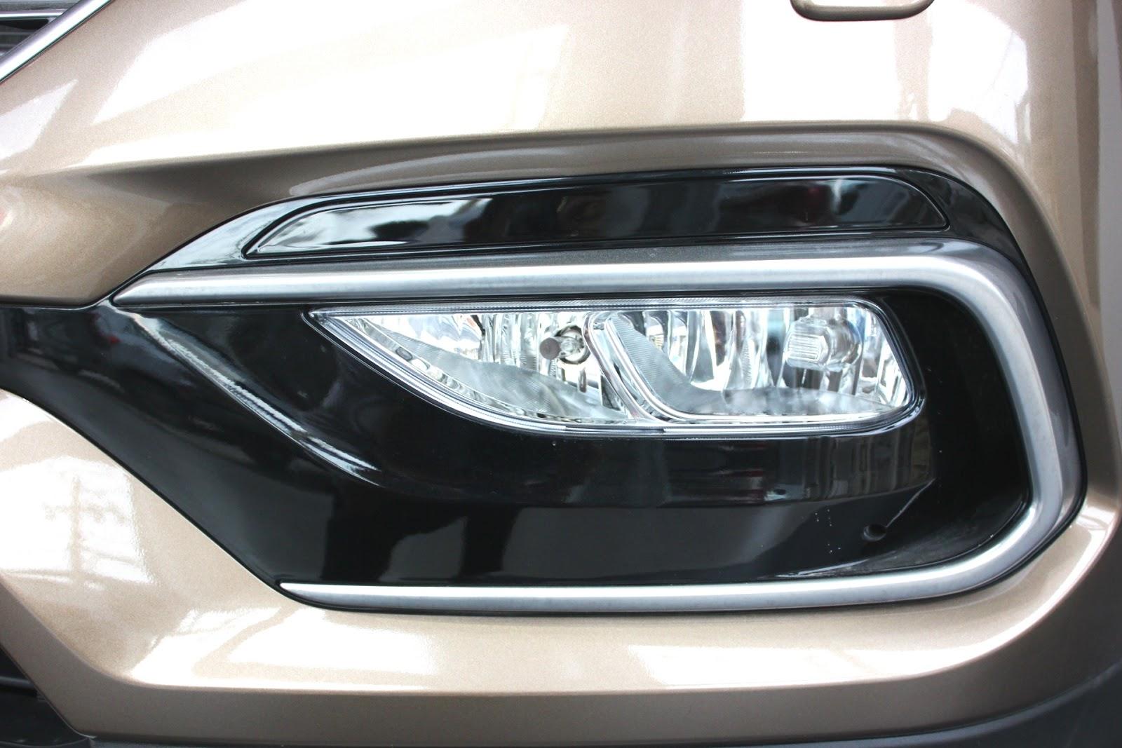 Xe Hyundai Santafe New Model màu nâu 03