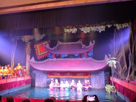 13. Teatrul de papusi.JPG