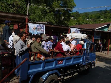 Transport Myanmar: camion 4x4