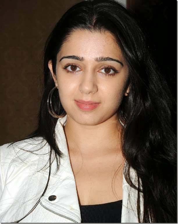 charmi_latest_beautiful_photo
