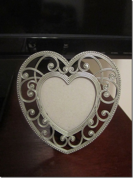 Scrolly Heart Frame