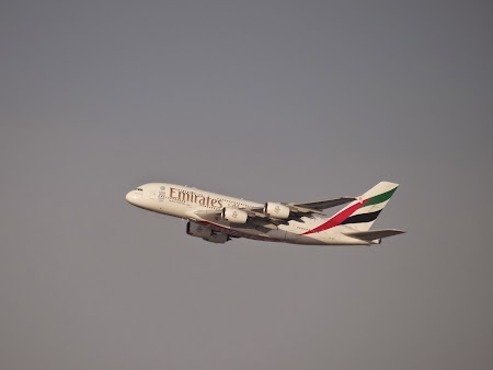 17. Emirates - Airbus 380.JPG