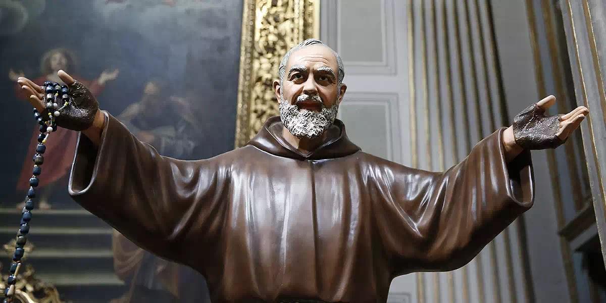 Khí giới bí mật chống lại những tà ác trong thế giới hôm nay của thánh Piô Năm Dấu