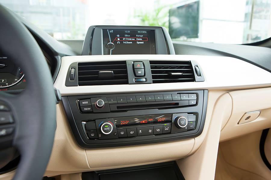 Nội thất xe BMW 428i Convertible 04
