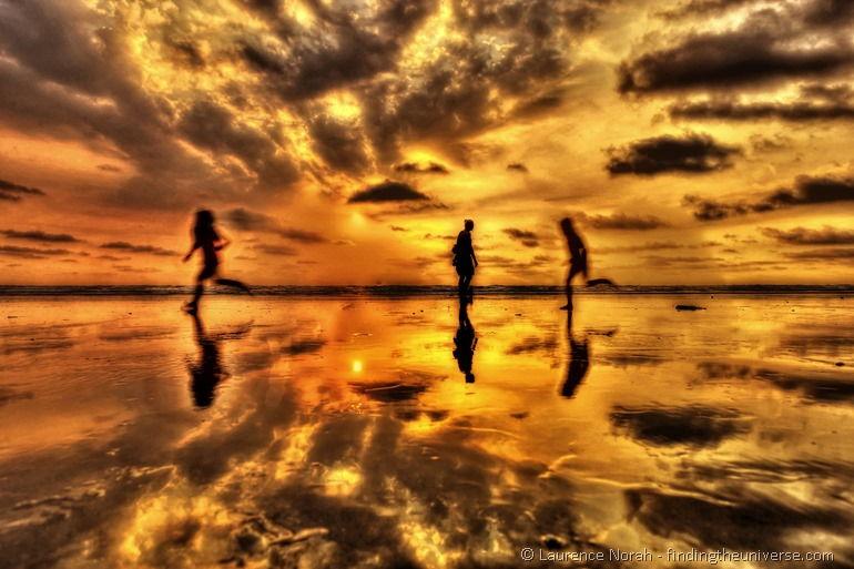 Sunset canoa children running silhouette_DxO