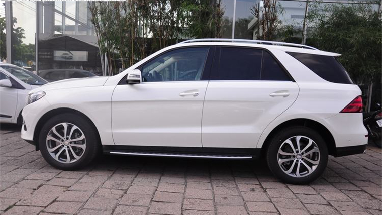 Xe Mercedes GLE 400 Exclusive màu trắng 06