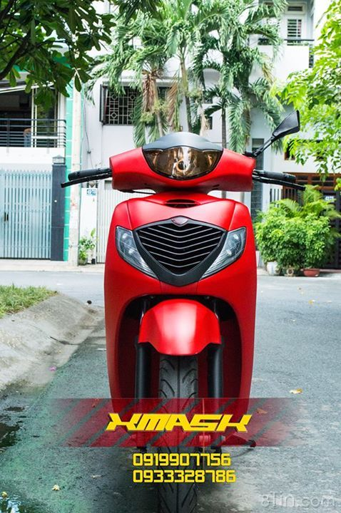 SH sơn 1 màu đỏ tươi rực rỡ đón tháng mới đây ạ ^^