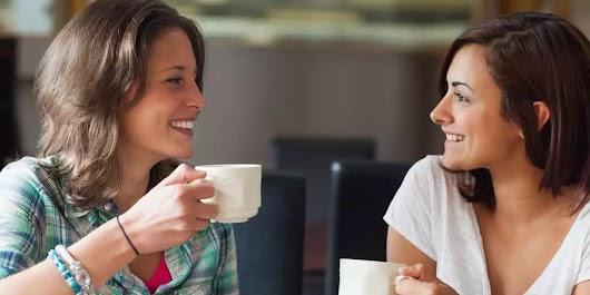 7 ích lợi của việc đến nhà thờ dâng lễ - Kết thân với bạn bè