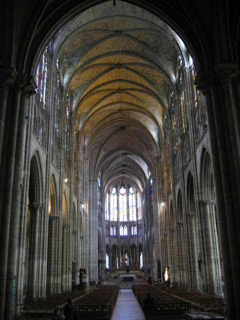Basilique_Saint-Denis_01.jpg