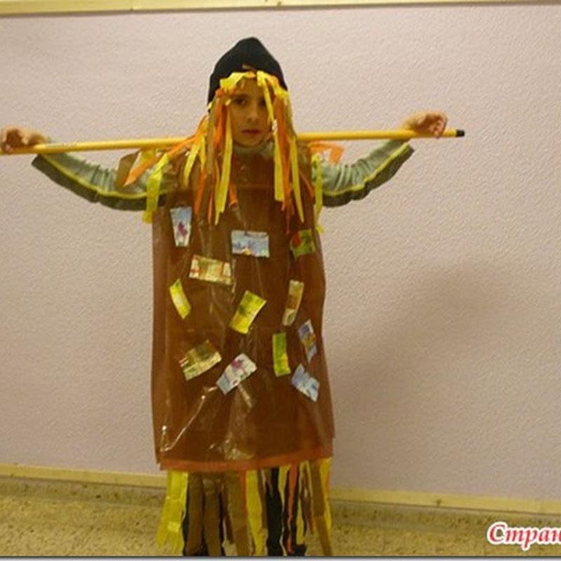 Disfraz de espantapájaros hecho con bolsa de basura