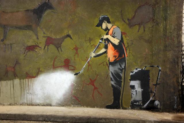 Banksy_graffiti_removal[1].jpg