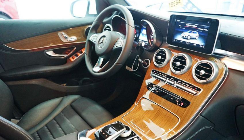 Nội thất xe Mercedes GLC 250 4Matic 05