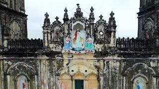 Bức tượng chúa Giêsu Vua trên đỉnh nhà thờ cũ dự kiến sẽ được đưa sang vị trí tương tự ở nhà thờ mới.