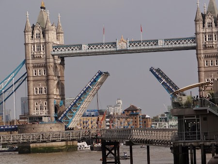 19. Tower Bridge.JPG