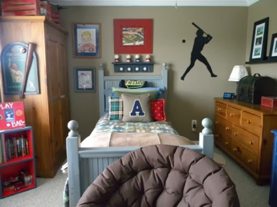 baseball-inspired-boys-room-554x415