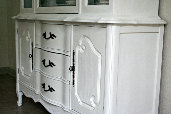 White Hutch Detail