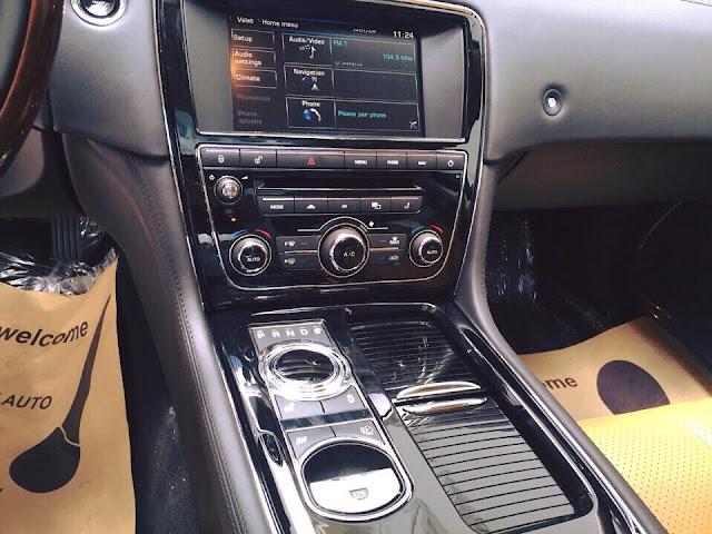 Nội thất xe Jaguar XJL Premium Luxury LWB 06
