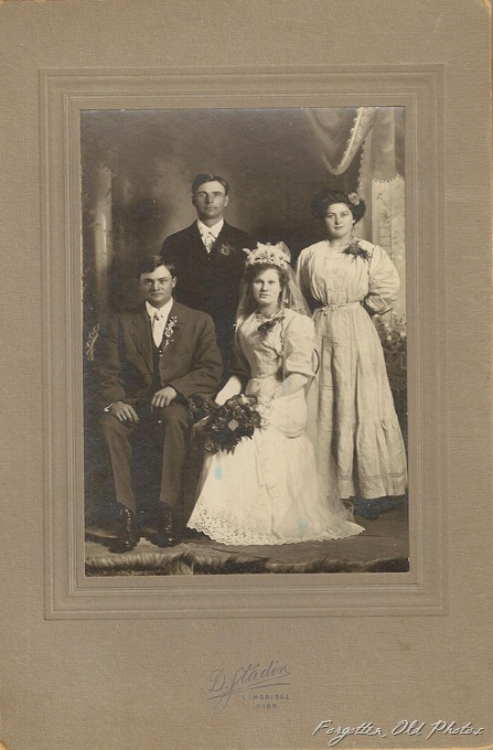 Wedding group Cambridge MN 1914 or 1907 Duluth
