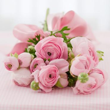 Un joli bouquet de fleurs pour une jolie maman 10457631ruemc 2041