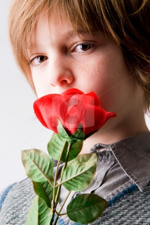 Best purposing shayari to purpose top propose day sms - Boy propose girl with rose image ...