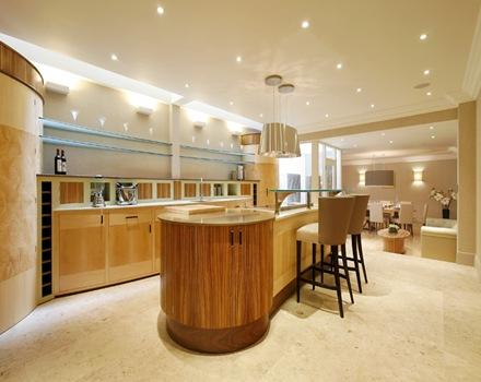 cocina-reformada-madera-casa-de-lujo