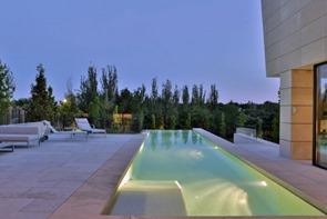 piscina-casa-memoria-arquitectura-A-cero