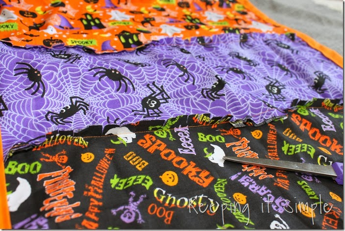 Halloween rag table runner (6)