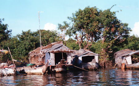 Case Cambogia: sat vietnamez