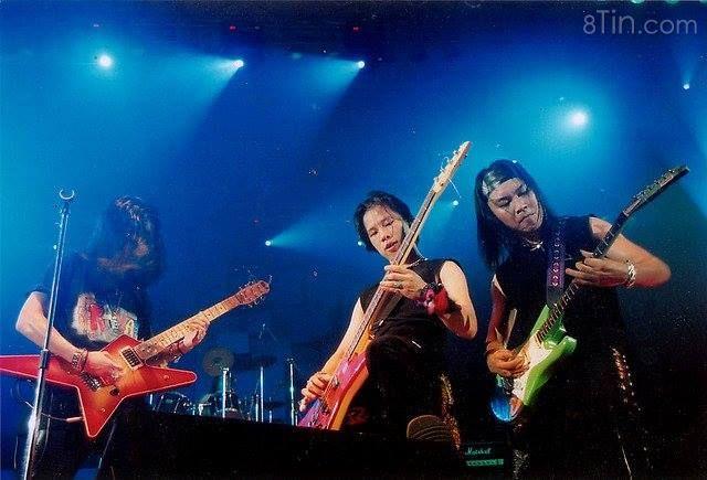 Chúc mừng sinh nhật cựu bassist Tran Nhat Hoang, người mà không