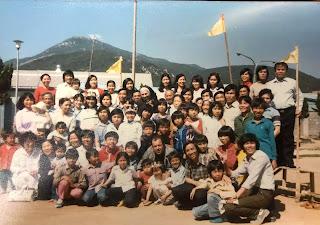 Nhóm 96 thuyền nhân khi đến đảo Busan, Nam Hàn.