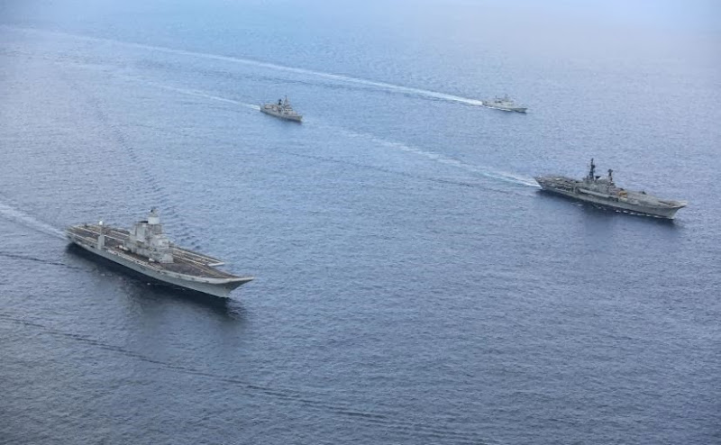 Aircraft-Carrier-INS-Vikramaditya-12-Indian-Navy-R