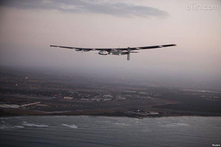 Máy bay Solar Impulse 2 máy bay được phi công Markus Scherdel
