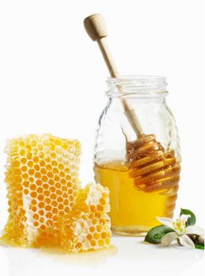 """Mật ong nuôi và mật ong rừng đều tốt như nhau nếu là mật ong nguyên chât"""""""