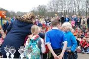 Schoolkorfbaltoernooi ochtend 17-4-2013 391.JPG