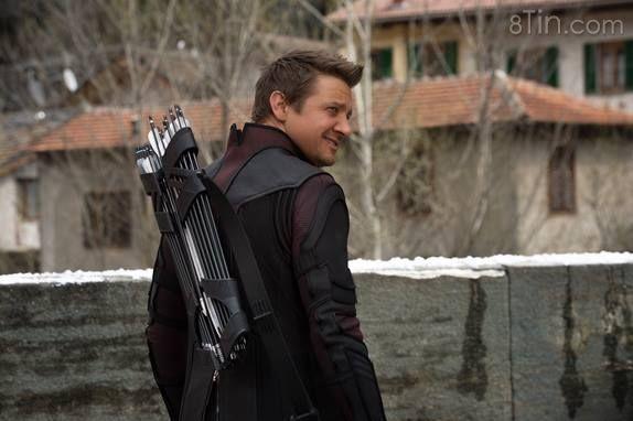 Chúc Mừng Sinh Nhật Jeremy Renner aka Hawkeye!