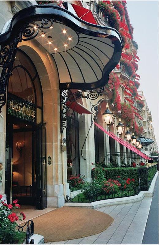 Plaza Athenee-Exterior 6-LR c Philippe Derouet