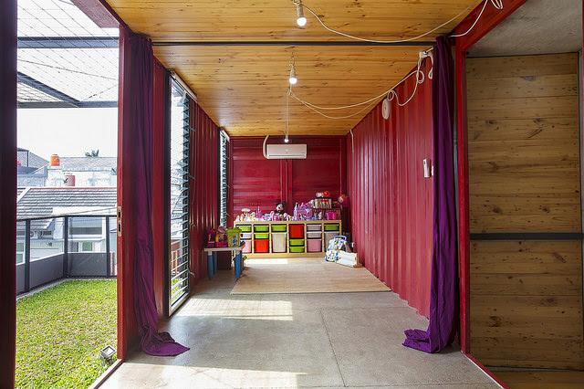 Ngôi nhà bằng container