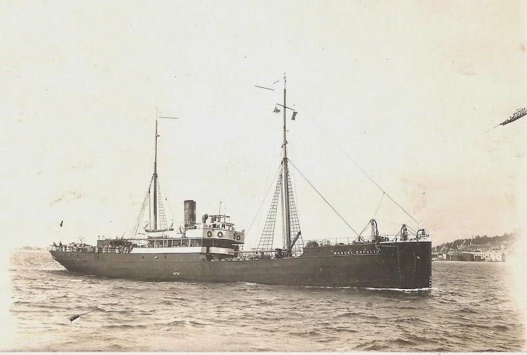 El vapor MANUEL ESPALIU ya con los colores de Trasmediterranea. Ca. 1920. Foto cortesia de Jaume Cifre Sanchez.jpg