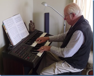 Our host, Rob Powell, playing his Yamaha Electone EL15 organ.